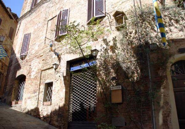 Castelsenio, la vera prima sede