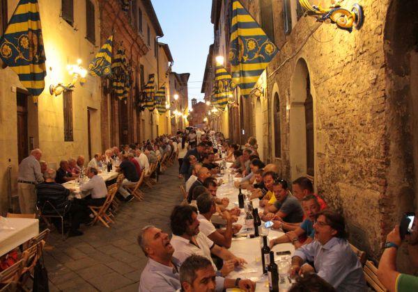 La Cena della Stalla in via delle Murella!